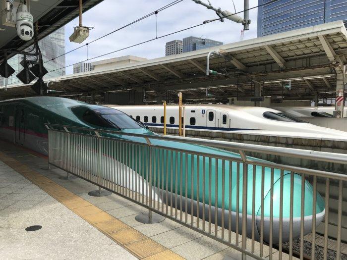 E5系新幹線はやぶさ